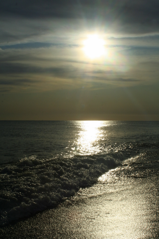 Late afternoon sun and the ocean... a beautiful combination