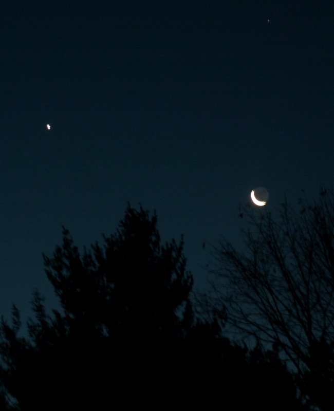 The waning crescent moon was pretty cool looking yesterday morning