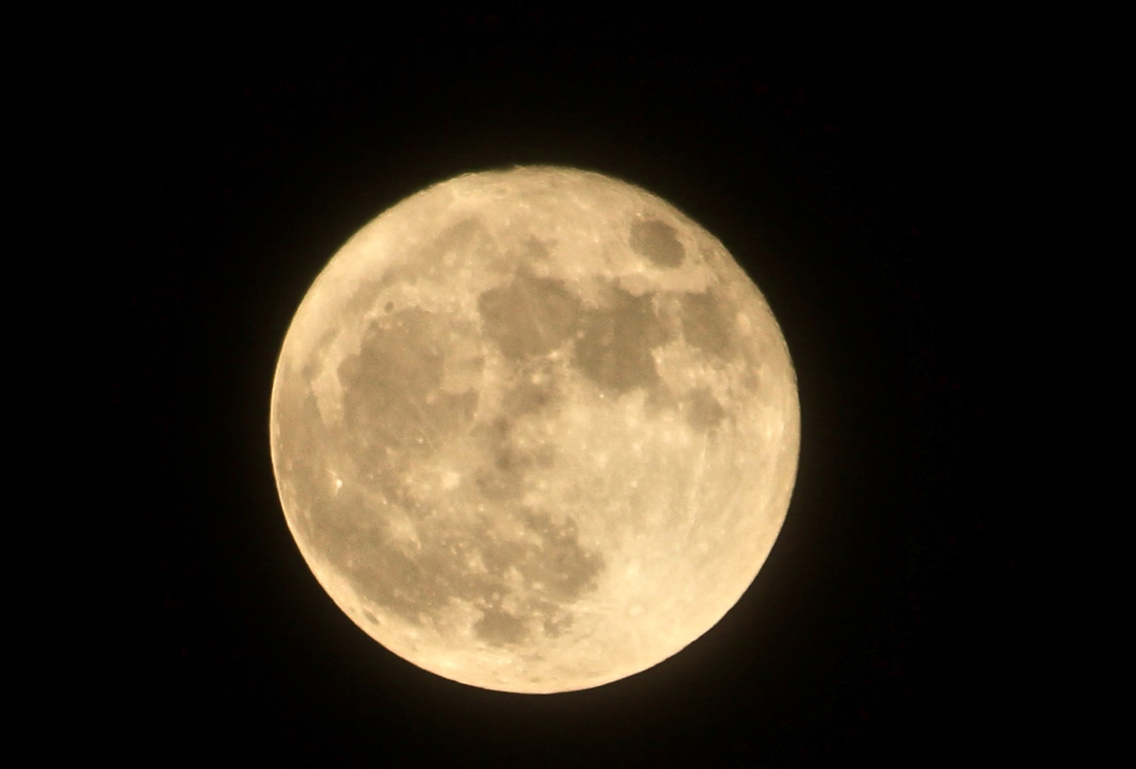 Up close with the supermoon...